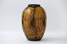 CATTEAU CHARLES (1880 - 1966) zeer zeldzame Art Deco-vaas in faiënce gemerkt 'BFK' met een sterk gestileerd vogeldecor in reliëf (n° D 2345 van 1938)  -  hoogte : 245 cm gemonogrammeerd