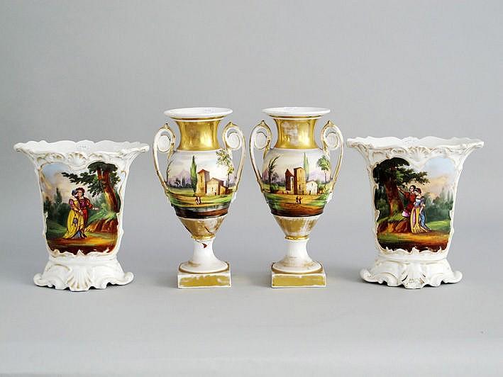 Twee paar (§) negentiende-eeuwse vazen in oud