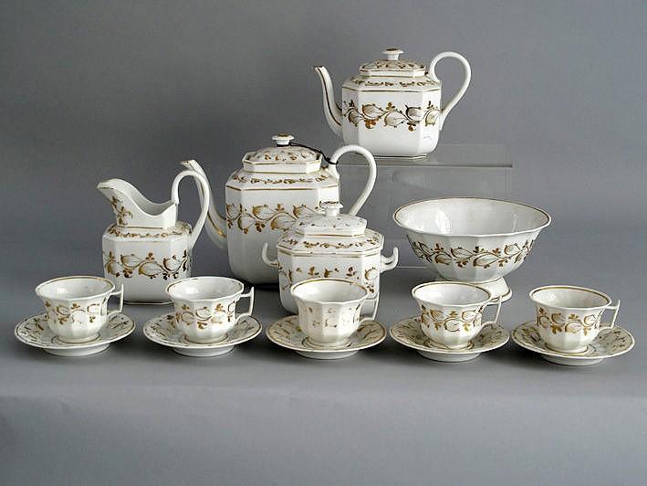 Negentiende-eeuws 29-delig koffie- en theeservies