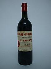 1 bouteille   CHÂTEAU FIGEAC 1982 GCC1B St Emilion (B.G; e.t.h.-e.l.a.)