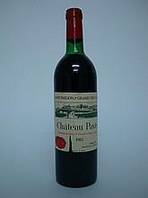 1 bouteille   CHÂTEAU PAVIE 1982 GCC1A St Emilion (T.L.B; e.l.a; c.l.a. sommet)