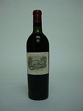 1 bouteille  CHÂTEAU LAFITE ROTHSCHILD 1934 GCC1 Pauillac (H.E; e.l.a; c.s. légère; très belle) Caisse bois d'origine