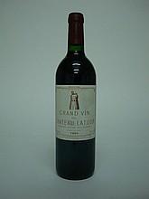 1 bouteille   CHÂTEAU LATOUR 1994 GCC1 Pauillac (e.t.h. légère)