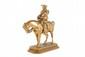 Antoine-Louis BARYE (1795-1875) Piqueur costume Louis XV. Sujet en bronze à patine dorée. Signé, et marqué F. Barbedienne fondeur. H. : 19 cm. L. : 18 cm. P. : 7,5 cm. Bibliographie : Michel Richarme et Alain Poletti, Antoine Louis Barye catalogue