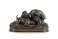 Pierre-Jules MÈNE (1810-1879) Chasse au lapin (groupe chiens au terrier). Groupe en bronze à patine brune mordorée. Signé. H. : 20 cm. L. : 38 cm. P. : 17 cm. Bibliographie : Michel Richarme et Alain Poletti, Pierre-Jules Mène catalogue raisonné,