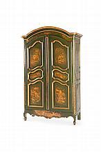 Armoire Louis XV ouvrant à 2 portes cintrées sous corniche en anse de panier. Epoque XVIIIème siècle. Entièrement repeinte dans les années 1960/70 de paysages chinois animés de personnages dans des tons or sur fond vert bronze. H. : 2,20 m. L. : 1,44