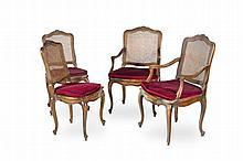 Mobilier de salon canné de style Louis XV en bois laqué gris,   mouluré à dossier plat et pieds cambrés comprenant : 2 fauteuils   et 2 chaises. (état médiocre).