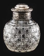 boîTe à Thé, Fabergé, en cristal de roche à taille en point de diamant,