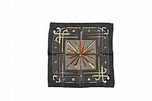 HERMES Paris   Gavroche en soie grise à décor de cannes.   Dans sa boîte.   Bon état.