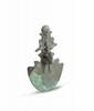 ÉGIDE DE KHNOUM  Coiffé de la couronne atef. Bronze à patine verte.  Egypte. Epoque saïte.  H. : 9 cm.
