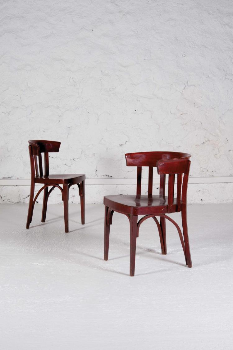 THONET Ensemble comprenant un fauteuil et une chaise Ensemble comprenant un fauteuil et une chaise