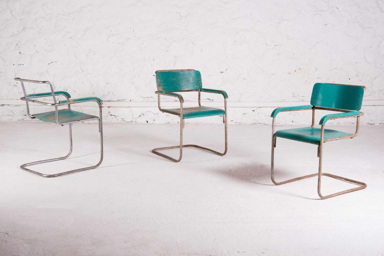 TRAVAIL MODERNISTE Suite de 3 fauteuils