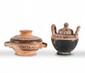 PYXIDE ET LÉBÈS-GAMIKOS  En céramique décorée de motifs géométriques.  Art grec. Vè-IVè av. J.-C.  H. : 6 et 7 cm.