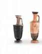 DEUX LÉCYTHES  En céramique dont un lustré noir. Art grec. Vè-IVè s. av. J.-C.  H. : 14 et 16 cm.