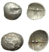 SALYENS - Lot de 2 oboles argent scyphates à la roue à 4 rayons,
