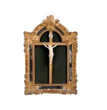 Christ en ivoire, la tête couronnée d?épines