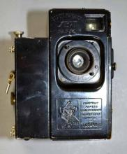 VINTAGE SEPT PARIS MOVIE CAMERA - Societe Francaise with spools and case - Condition: Age appropriate wear; All items sold as is.