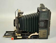 VOIGTLANDER 4 5/15cm DIAL SET COMPUR SHUTTER CAMERA - Condition: Age appropriate wear; All items sold as is.