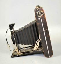 VINTAGE KODAK No. 2c SERIES III No. 1 DIOMATIC FOLDING CAMERA - Condition: Age appropriate wear; All items sold as is.