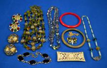 10pcs ASSORTED LADY'S GOLD TONE COSTUME JEWELRY - Condition: Age appropriate wear; All items sold as is.