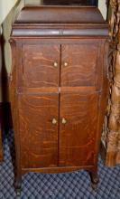 VICTOR VICTROLA IN OAK CABINET MODEL # VV-XIV #181830 - Not working; Includes records and No.2 Head; Measures: 48''H x 22''W x 23''D - Condition: Age appropriate wear; All items sold as is.