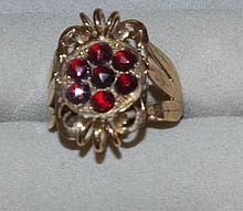 9ct rose gold and 5 garnet cluster ring with leaf