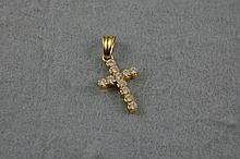 18ct yellow gold cross set with CZ approx 2.8