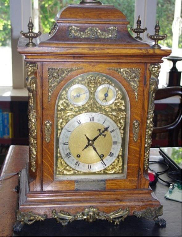 Large late Victorian oak bracket clock 8-day going