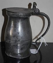 English 18th century small pewter tankard with lid