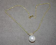 18ct yellow gold ,13.5mm pearl & diamond pendant