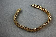 9ct gold fancy link bracelet 27.3 gms,