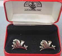 Boxed set Opera house cufflinks