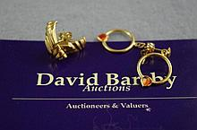 Two Pairs 14ct gold earrings approx 3.1 grams