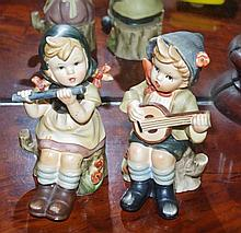 Pair Nasco musicians in Hummel style