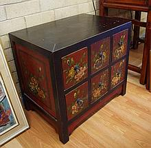 Small Chinese lacquered cabinet ornately