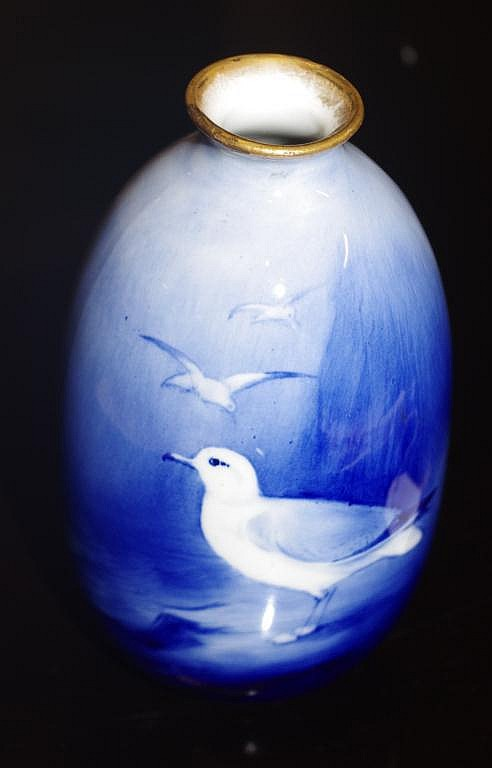 Royal Winton handpainted seagull vase as inspected
