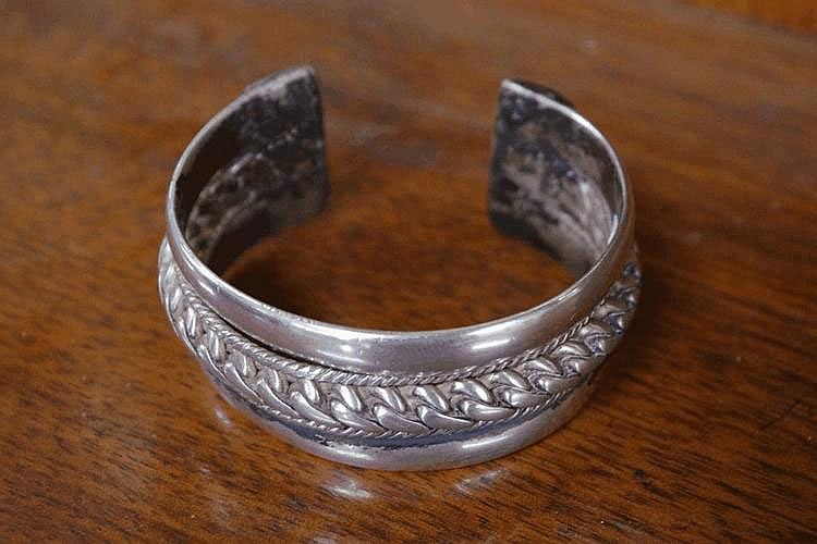 Mexican silver bangle 6.8cm wide, 96 grams