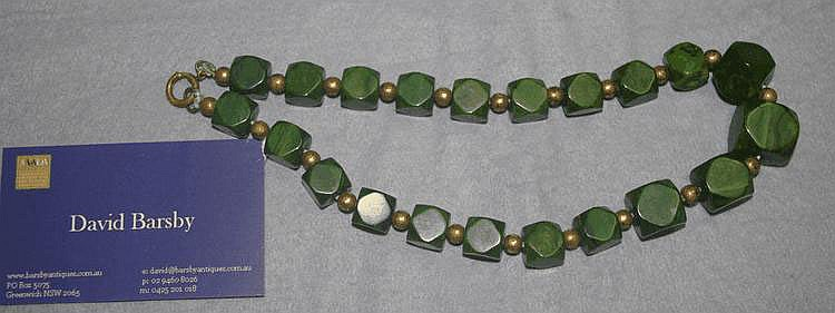 Good vintage bakelite green bead necklace