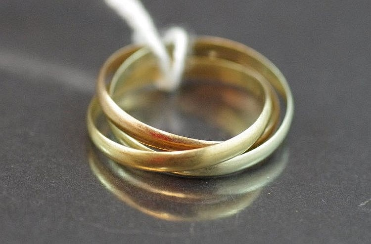 9ct three tone gold Russian ring approx 2.4 grams