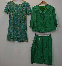 Emerald green silk vintage suit with 3/4 sleeve