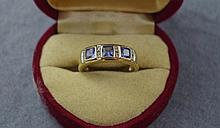 9ct gold cornflower blue sapphire & diamond ring