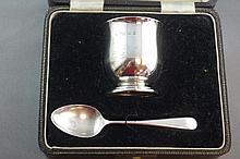 Elizabeth II hallmarked silver egg & spoon set in