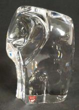 ORREFORS LARGE CRYSTAL ELEPHANT. 6 1/2 IN H