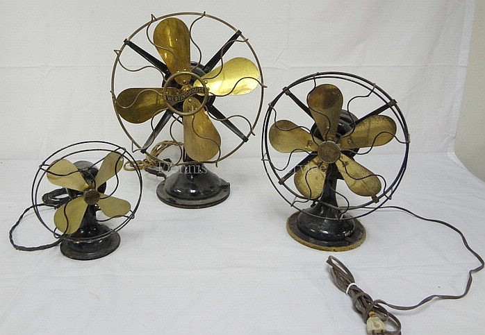 GROUP OF 3 EARLY ELECTRIC FANS; WESTINGHOUSE 17 IN BRASS BLADE, ROBBINS & MYERS 13 1/4 IN BRASS BLADE & SIGNAL COOL SPOT JR, 8 3/4 IN