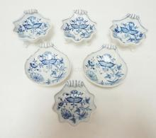 GROUP OF 6 BLUE AND WHITE MEISSEN SHELL FORM DISHES, 4 ARE FOOTED. LARGEST 4 5/8 IN; NO SCRATCHES IN THE MARKS