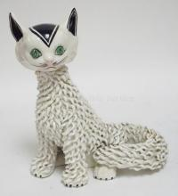 HAND PAINTED ITALIAN SPAGHETTI CAT. A COUPLE OF SMALL CHIPS ON THE BACK. 10 3/4 IN H