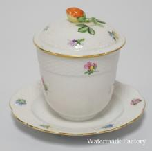 HEREND HAND PAINTED PORCELAIN CONDIMENT JAR WITH LID AND ATTACHED UNDERPLATE. 4 1/4 INCHES HIGH.