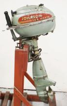 JOHNSON TD-20 5 HP OUTBOARD BOAT MOTOR. SERIAL #573229. ENGINE IS STUCK.