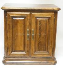 ETHAN ALLEN 2 DOOR CABINET WITH INTERIOR SHELF. 26 IN WIDE.