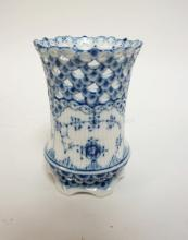 ROYAL COPENHAGEN OPEN LACE BLUE AND WHITE VASE. 4 1/2 IN H. NO SCRATCHES IN THE MARK